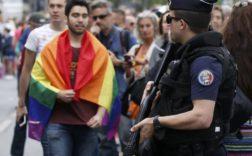 La Gay Pride 2016 à Paris. REUTERS/Gonzalo Fuentes