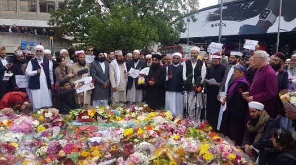 Une centaine d'imams se sont rassemblés à Londres après les attentats afin de dénoncer l'extrémisme. © BMF