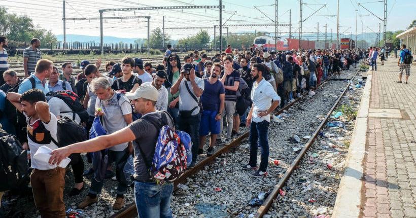 Des réfugiés à la frontière grecque, à Idoméni. (© Martin Leveneur/Flickr/CC)
