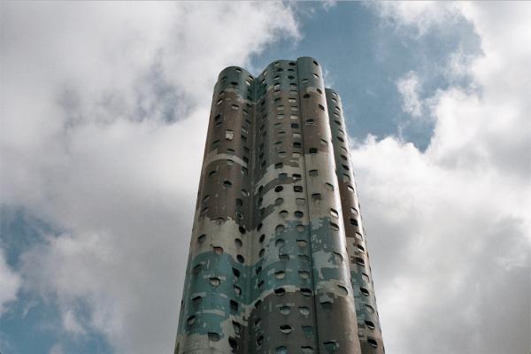Une des Tours Nuages du quartier Pablo Picasso à Nanterre