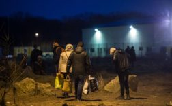 migrants Calais police droit scandale