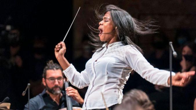 prmière cheffe d'orchestre noire