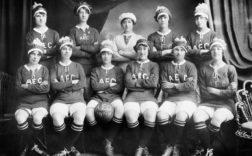 "Les pinnières du football féminin ""Ladies Football Club"""