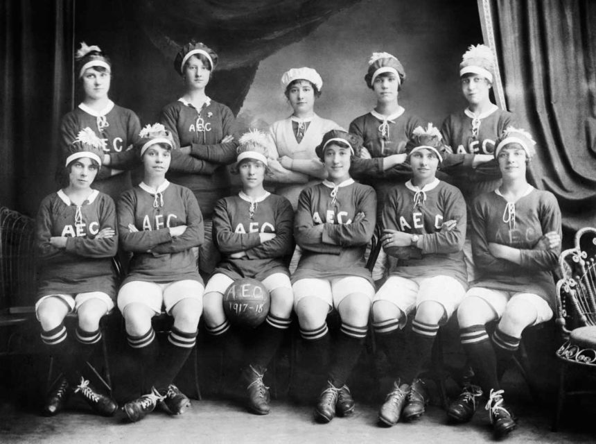 "Les pinnières du football féminin ""Ladies Football Club"""